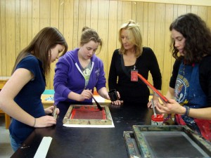 Artist Melissa Marr & students screen printing